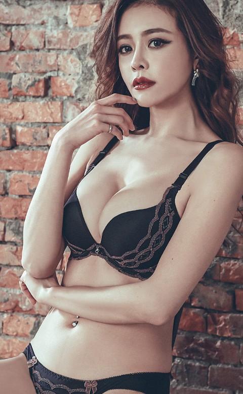 魅豔蘿莉 極致完美圓胸內衣 A-C anSubRosa - 黑色