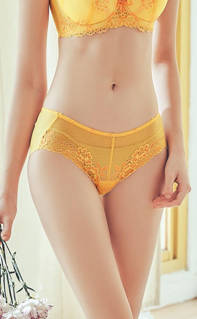 花神的祝福 蕾絲中腰無痕平口褲 M-XL Anymore - 黃色