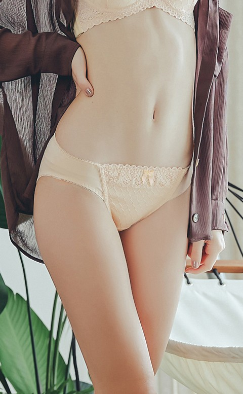 催情摩洛哥 性感柔滑蕾絲內褲 M-XL Anymore - 膚色