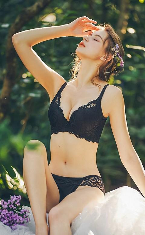 雅典女神 蕾絲包覆軟鋼圈內衣 B-D Anymore - 黑色