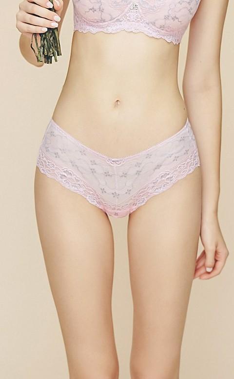 春天花季 透膚蕾絲中腰平口內褲 M-XL Anymore - 粉色