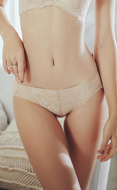 迷人晶鑽 黃金翹臀比例內褲 M-XL Anymore - 膚色