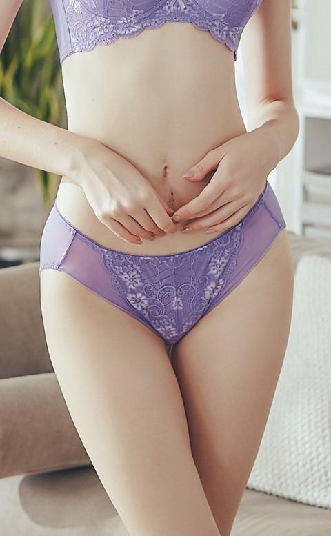 迷人晶鑽 黃金翹臀比例內褲 M-XL Anymore - 紫色