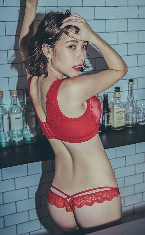 城市女郎 性感交叉蕾絲丁字褲 FREE anSubRosa - 紅色