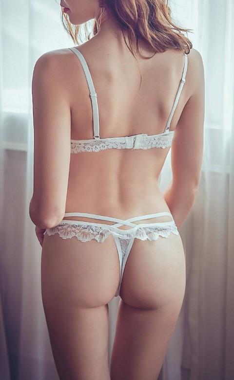 城市女郎 性感交叉蕾絲丁字褲 FREE anSubRosa - 白色