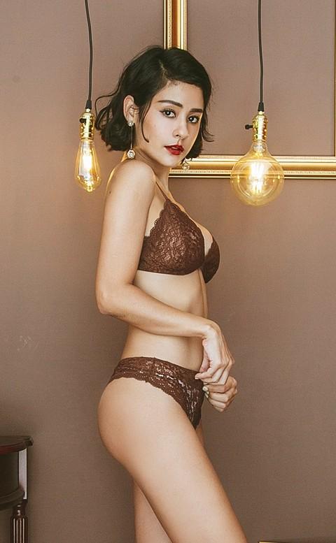 輕甜花瓣 立體雕花蕾絲無襯成套內衣褲 S-XL anSubRosa - 棕色