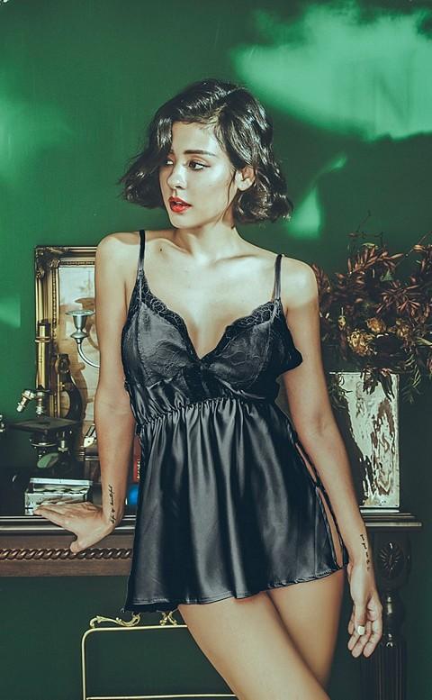 城市不眠夜 緞面睫毛蕾絲連身睡衣 FREE anSubRosa - 黑色