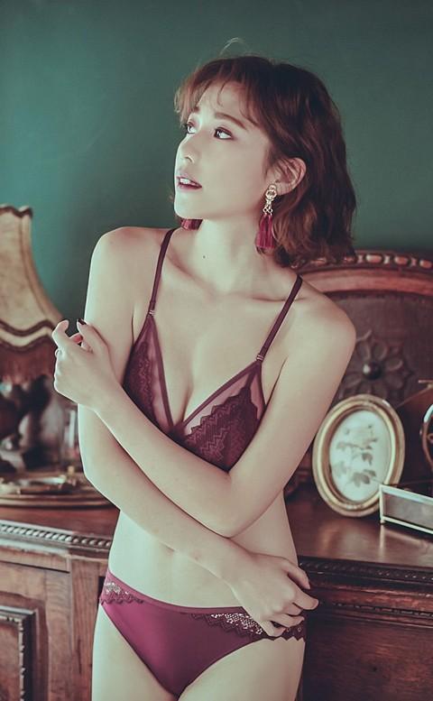 華麗焦點 美背蕾絲薄襯成套內衣褲 S-L anSubRosa - 紫紅