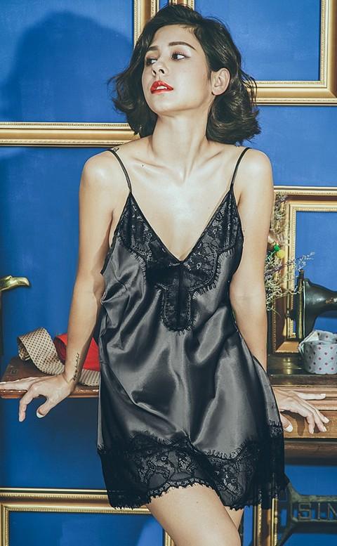 暗夜特務 睫毛蕾絲緞面連身睡衣 FREE anSubRosa - 黑色