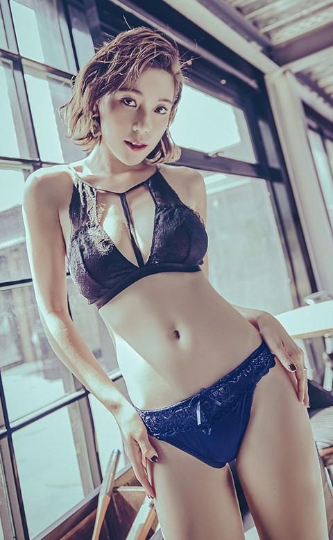玩美女郎  彈性蕾絲丁字褲 FREE anSubRosa - 深藍