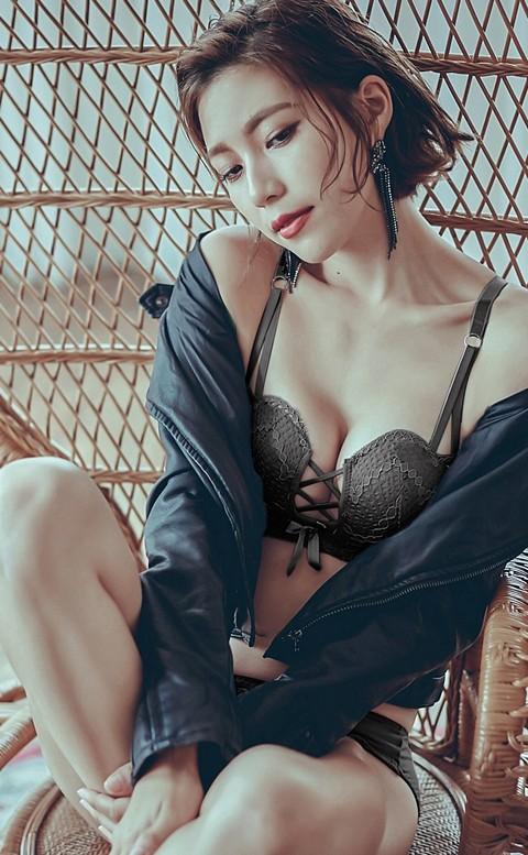 白晝漣漪 性感爆乳無鋼圈成套內衣褲 A-B anSubRosa - 黑色