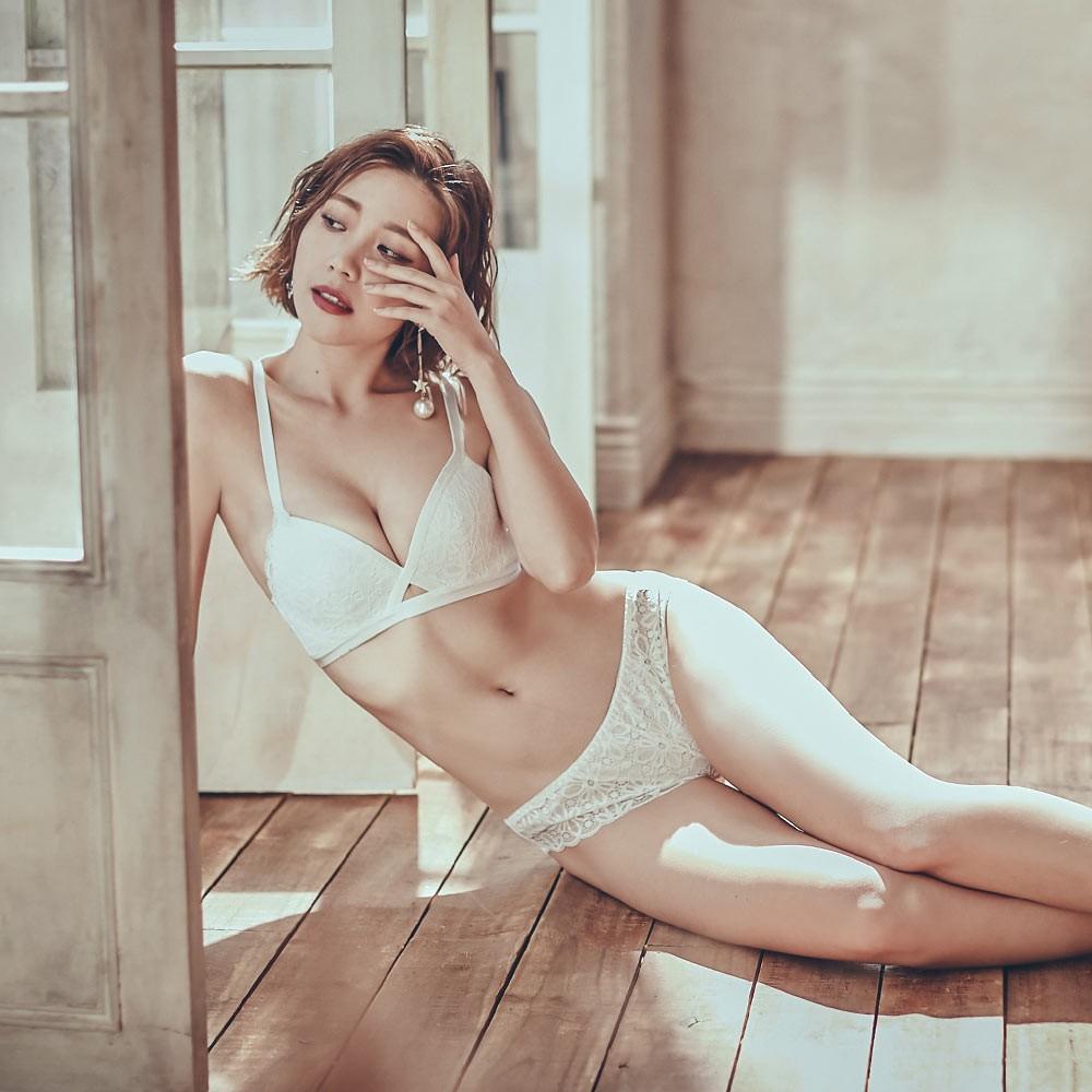 迷幻心跳 性感蕾絲無鋼圈成套內衣褲 A-B anSubRosa,下厚上薄內衣,無鋼圈,蕾絲薄襯內衣,成套內衣褲,