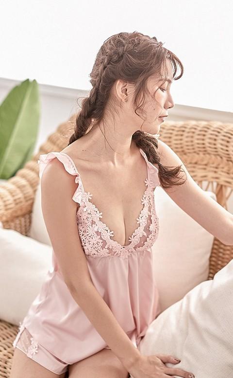 甜蜜白日夢 蕾絲緞面睡衣 FREE nalla - 粉色