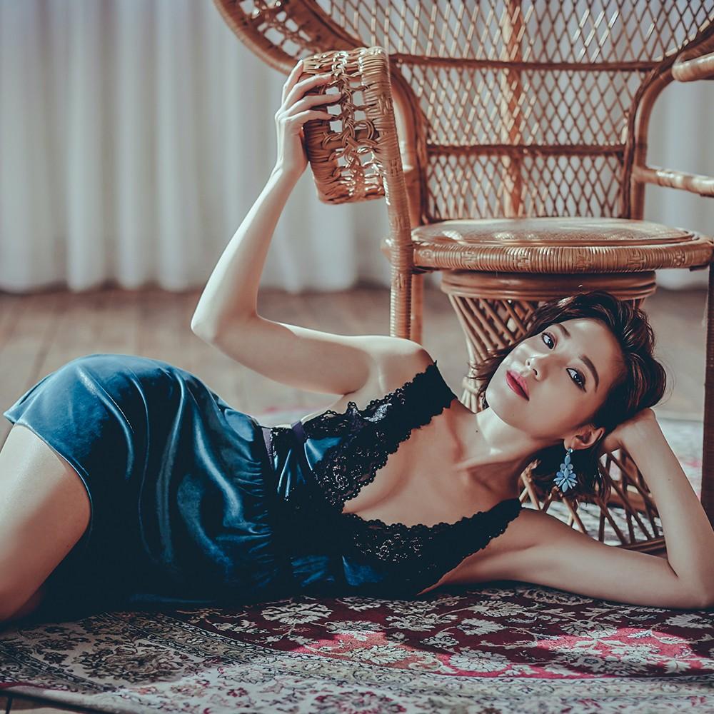 塞納河畔 蕾絲拼接質感絲絨睡衣 FREE anSubRosa,連身睡衣,性感睡衣,絲絨,深V曲線,