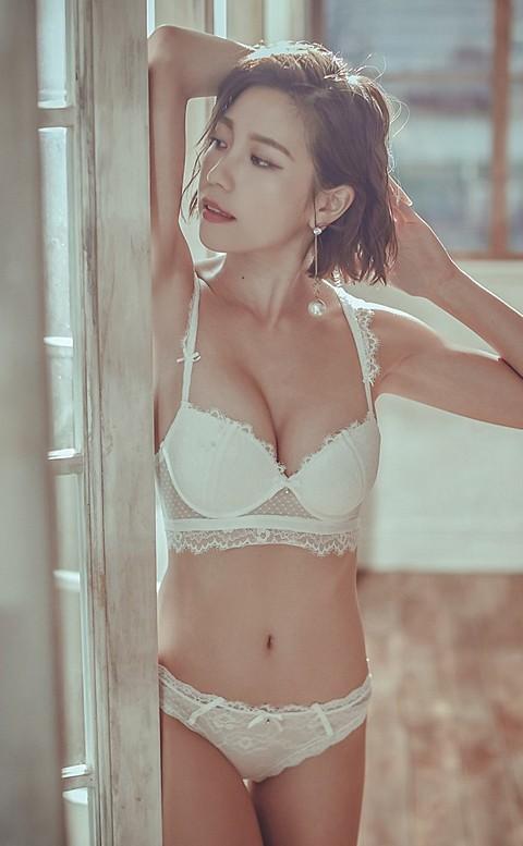 珍珠伊人 俏麗爆乳無鋼圈成套內衣褲 B-C anSubRosa - 白色