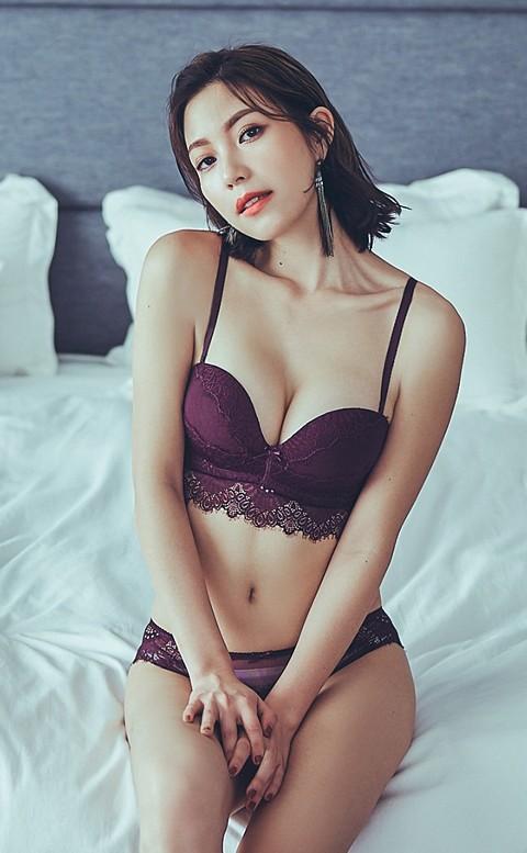 高雅紫羅蘭 蕾絲成套內衣褲  A-C anSubRosa - 紫紅