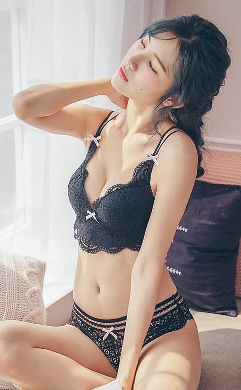 焦糖麻花辮 蕾絲美背無鋼圈內衣褲 B-C nalla - 黑色