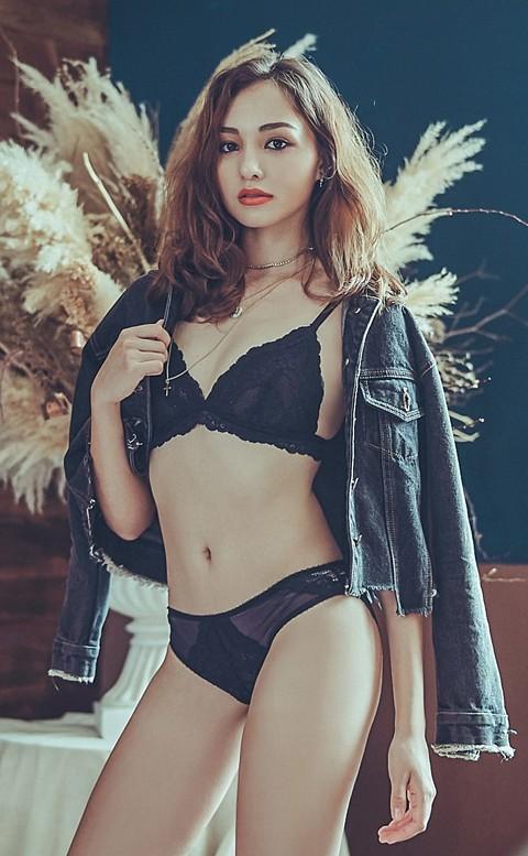 法式裸妝 法式蕾絲無襯成套內衣褲 S-XL anSubRosa - 黑色