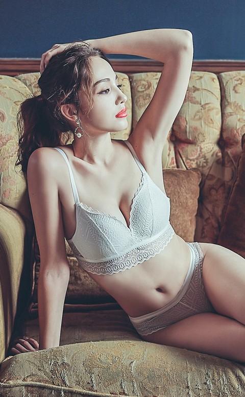 神秘藏紅花 浪漫蕾絲成套內衣褲  S-XL anSubRosa - 白色