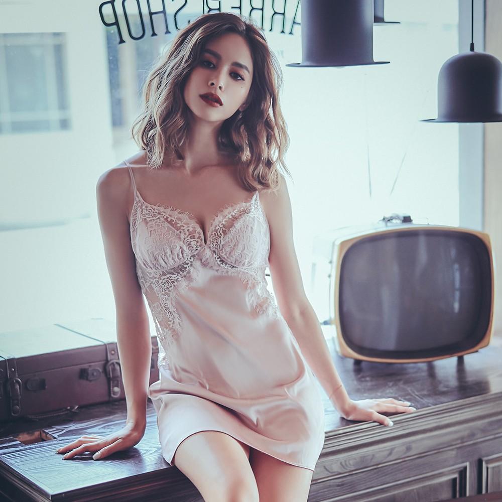 窈窕女伶 睫毛蕾絲緞面睡衣 M-L anSubRosa,連身睡衣,性感睡衣,絲滑緞面,罩杯式睡衣,罩杯睡衣