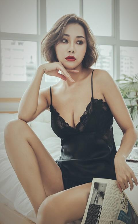 百老匯終場 絲緞蕾絲兩件式睡衣 FREE anSubRosa - 黑色