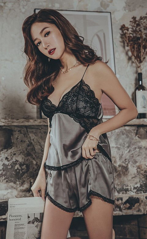 百老匯終場 絲緞蕾絲兩件式睡衣 FREE anSubRosa - 灰色