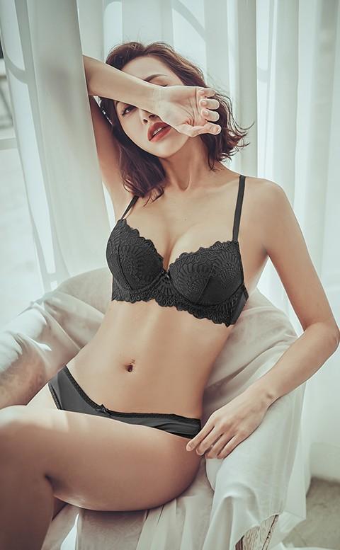 豢養浪漫 睫毛蕾絲成套內衣褲 A-C anSubRosa - 黑色