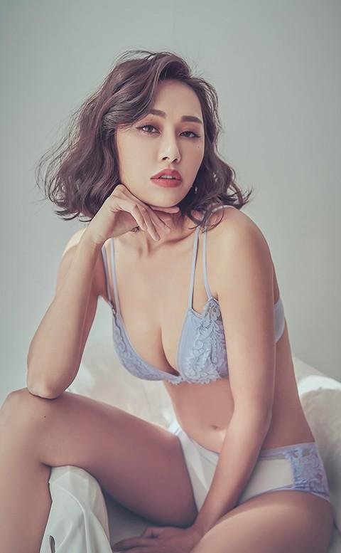 火熱戀情 前扣蕾絲無襯成套內衣褲 S-XL anSubRosa - 藍色