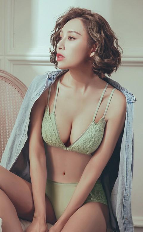 火熱戀情 前扣蕾絲無襯成套內衣褲 S-XL anSubRosa - 綠色