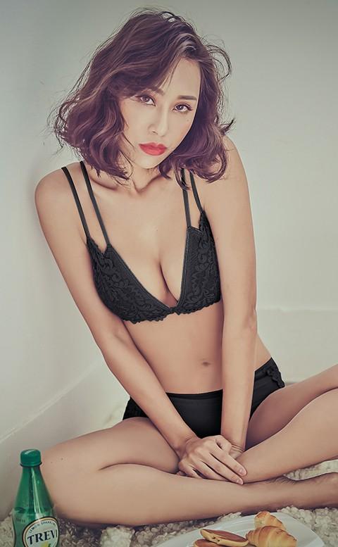 火熱戀情 前扣蕾絲無襯成套內衣褲 S-XL anSubRosa - 黑色