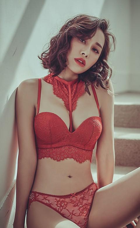 女爵的唇印 繞頸蕾絲無鋼圈內衣褲 A-C anSubRosa - 紅色