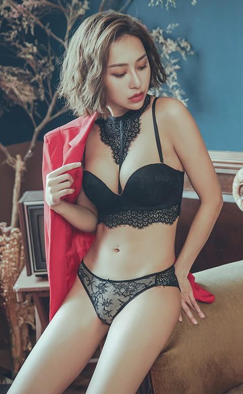 女爵的唇印 繞頸蕾絲無鋼圈內衣褲 A-C anSubRosa - 黑色