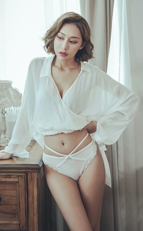 日出龍舌蘭 交叉性感蕾絲丁字褲 M-L anSubRosa - 白色