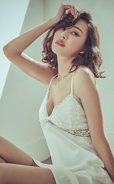 枕邊呢喃 緞面蕾絲連身睡衣 M-L anSubRosa - 白色
