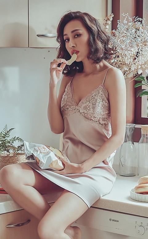枕邊呢喃 緞面蕾絲連身睡衣 M-L anSubRosa - 粉色