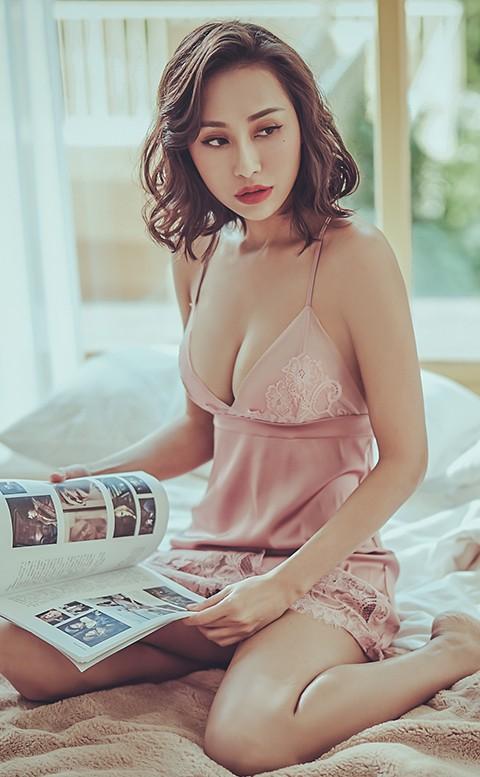 輕吻夢露 無襯緞面連身睡衣 M-L anSubRosa - 粉色
