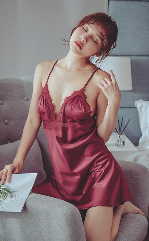 璀璨煙花 美背肩帶蕾絲緞面連身睡衣 FREE anSubRosa - 紅色
