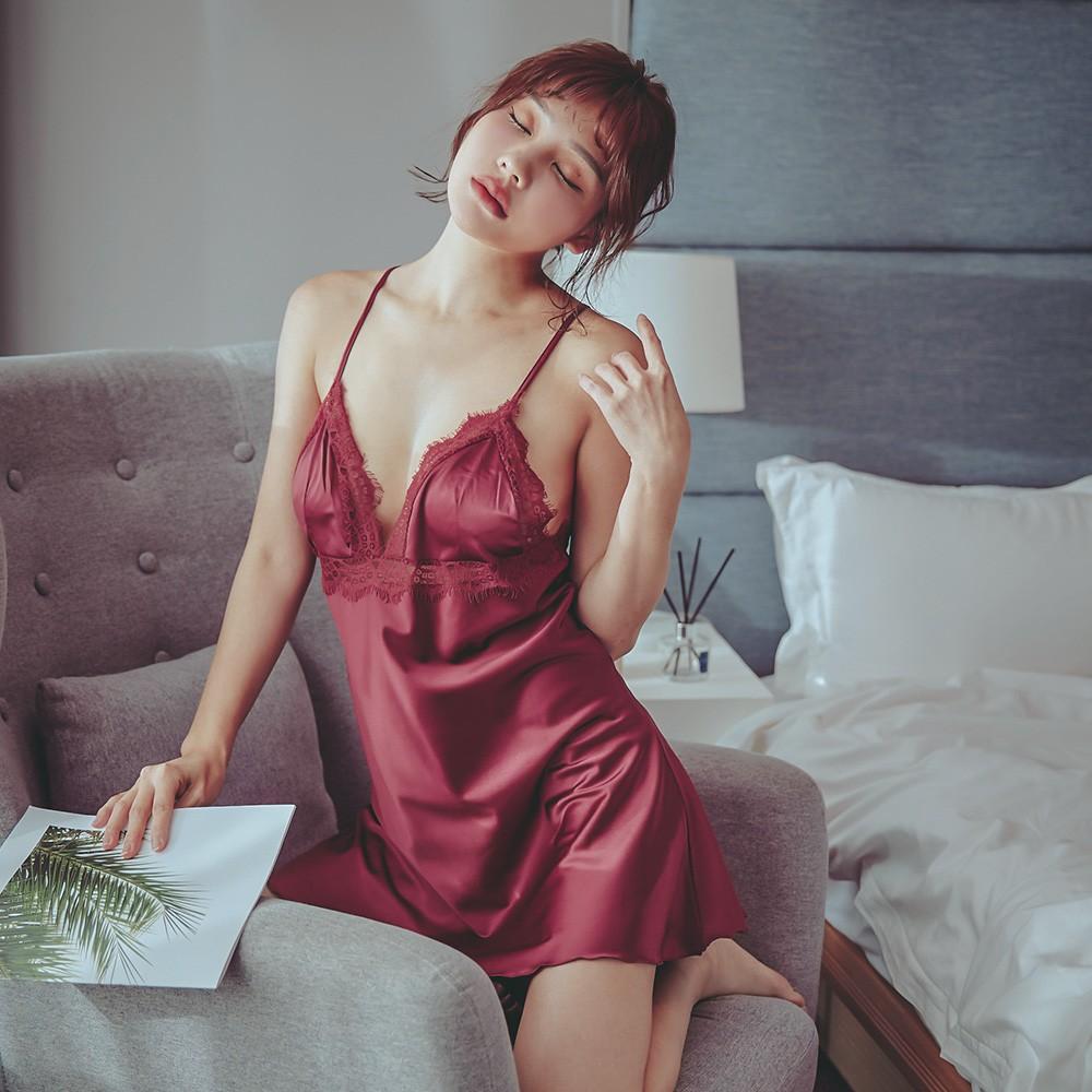 璀璨煙花 美背肩帶蕾絲緞面連身睡衣 FREE anSubRosa,連身睡衣,性感睡衣,絲滑緞面,蕾絲睡衣,睫毛蕾絲