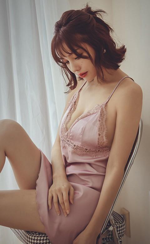 璀璨煙花 美背肩帶蕾絲緞面連身睡衣 FREE anSubRosa - 粉色