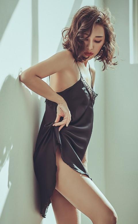 凱特的午後 睫毛蕾絲緞面睡衣 FREE anSubRosa - 黑色