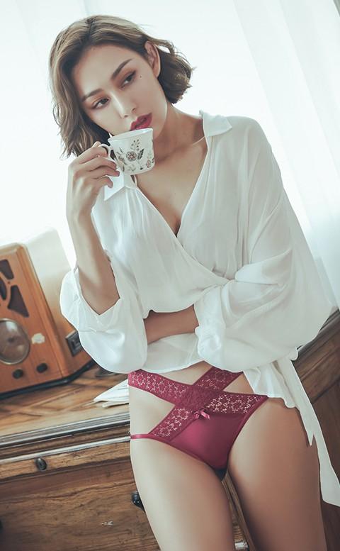 火辣唇印 性感交叉褲頭丁字褲 M-L anSubRosa - 深紅