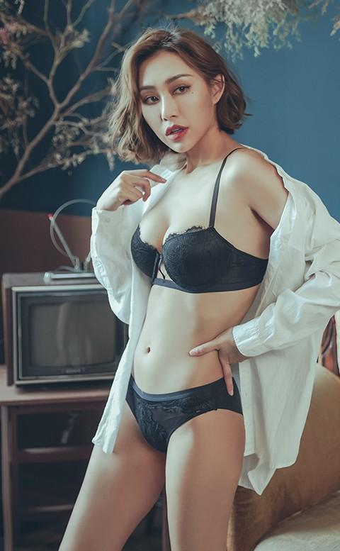 桑格利亞 蕾絲半罩成套內衣褲 A-D anSubRosa - 黑色