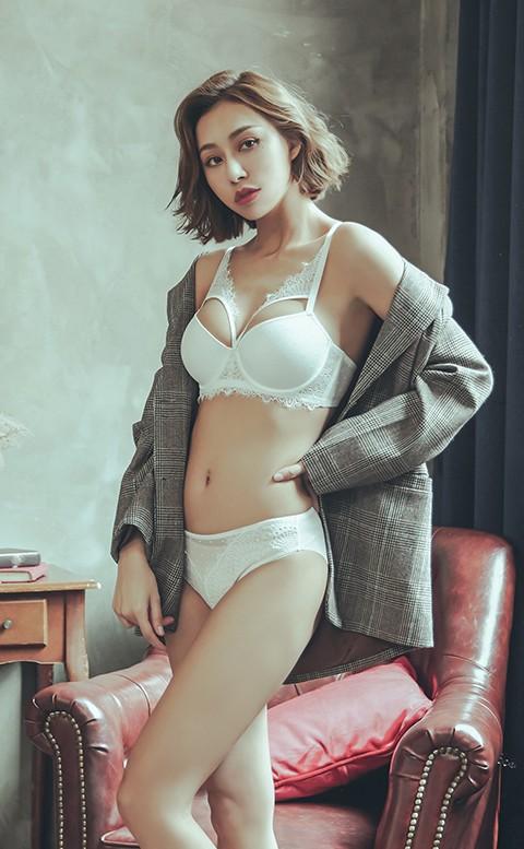 女王氣場 性感半罩成套內衣褲 A-D anSubRosa - 白色