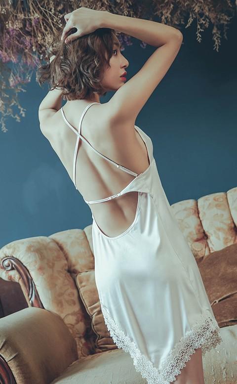 杏桃女爵 高衩美背緞面連身睡衣 M-L anSubRosa - 粉色