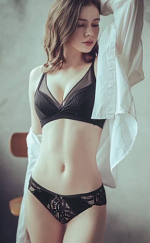 初醉冰吻 蕾絲低腰無痕內褲 M-L anSubRosa - 黑色