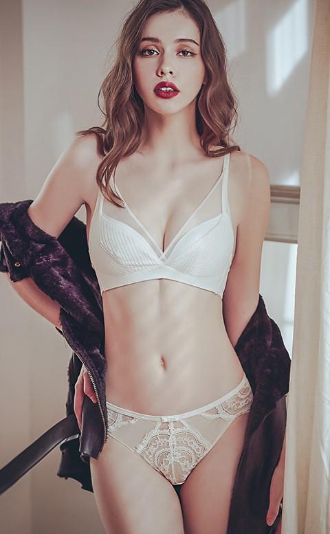 初醉冰吻 蕾絲低腰無痕內褲 M-L anSubRosa - 米白