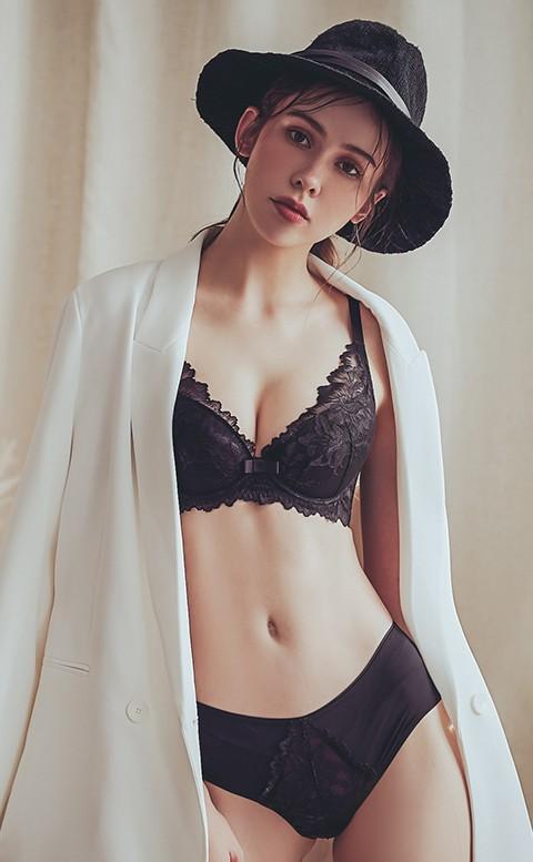 靜謐優雅 蕾絲軟鋼圈成套內衣褲 C-D anSubRosa - 黑色