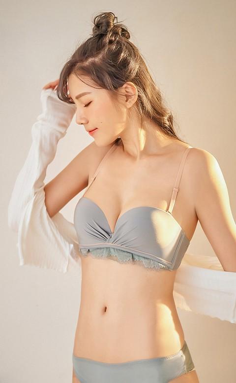 漫步晨曦 甜美平口半罩成套內衣褲 A-B nalla - 藍綠