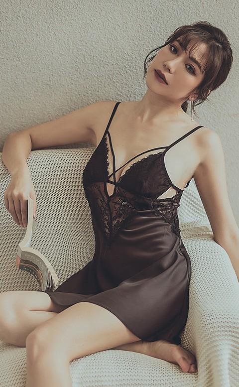 我 很性感 絲緞蕾絲顯乳睡衣 M-L  anSubRosa - 性感黑