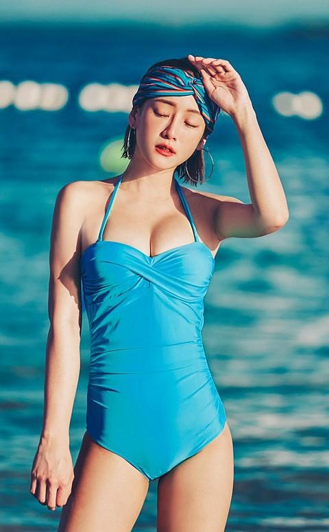 性感維多 扭結露背顯瘦連身泳衣 M-L AINIA - 藍色